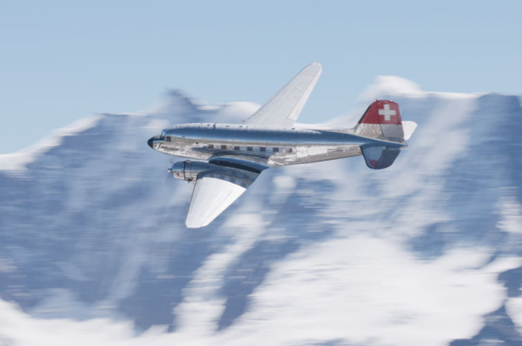 Swissair DC-3 – Wings over the Swiss Alps